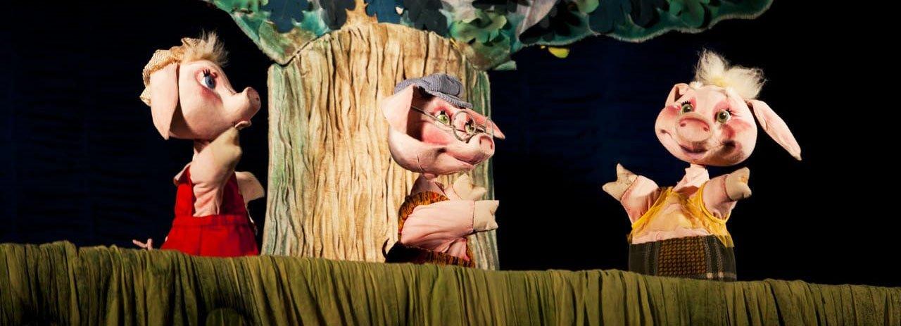 Кукольный спектакль «Три поросенка» для маленьких пациентов