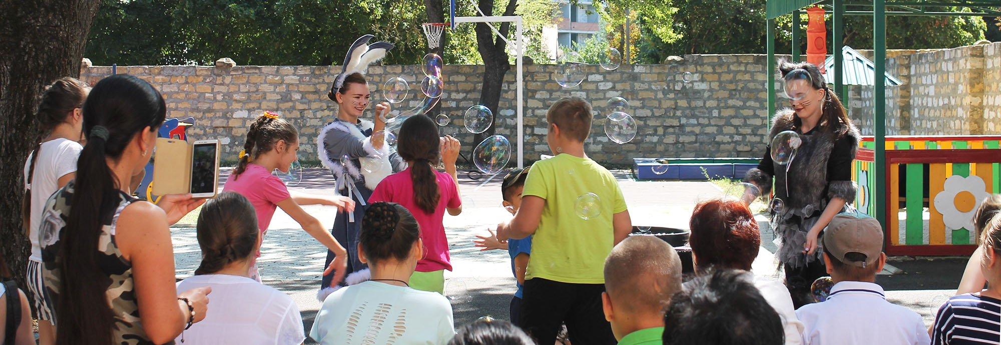 Шоу мыльных пузырей в детском отделении