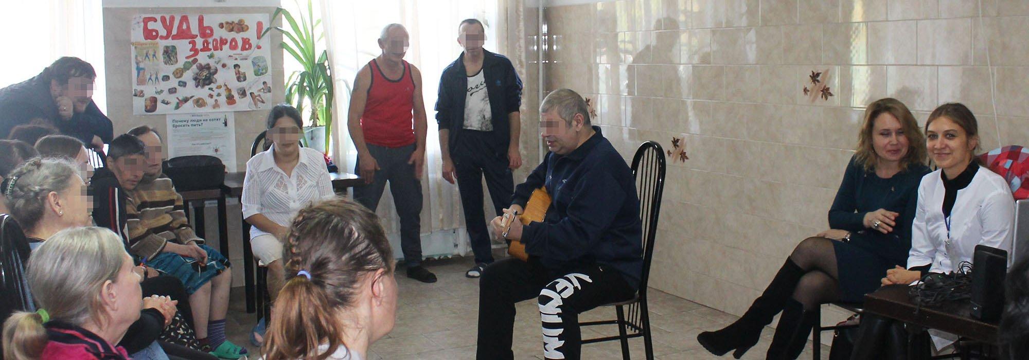 В рамках фестиваля «Душевный арт» состоялись концерты в отделениях и 33 школе